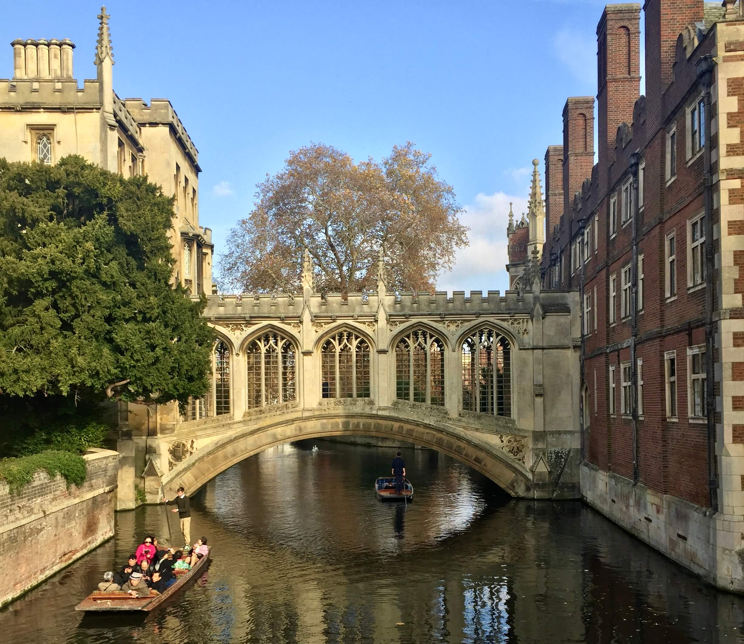Cambridge To Offer Free Foundation Year For Disadvantaged Students